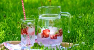 10 Beach Drinks To Take For The Picnic