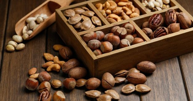 6 Best Dried Fruits For Weight Loss