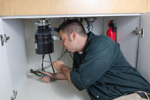 Hiring a Professional for Garbage Disposal Repair