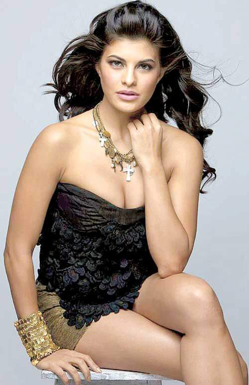 Jacqueline Fernandez boobs
