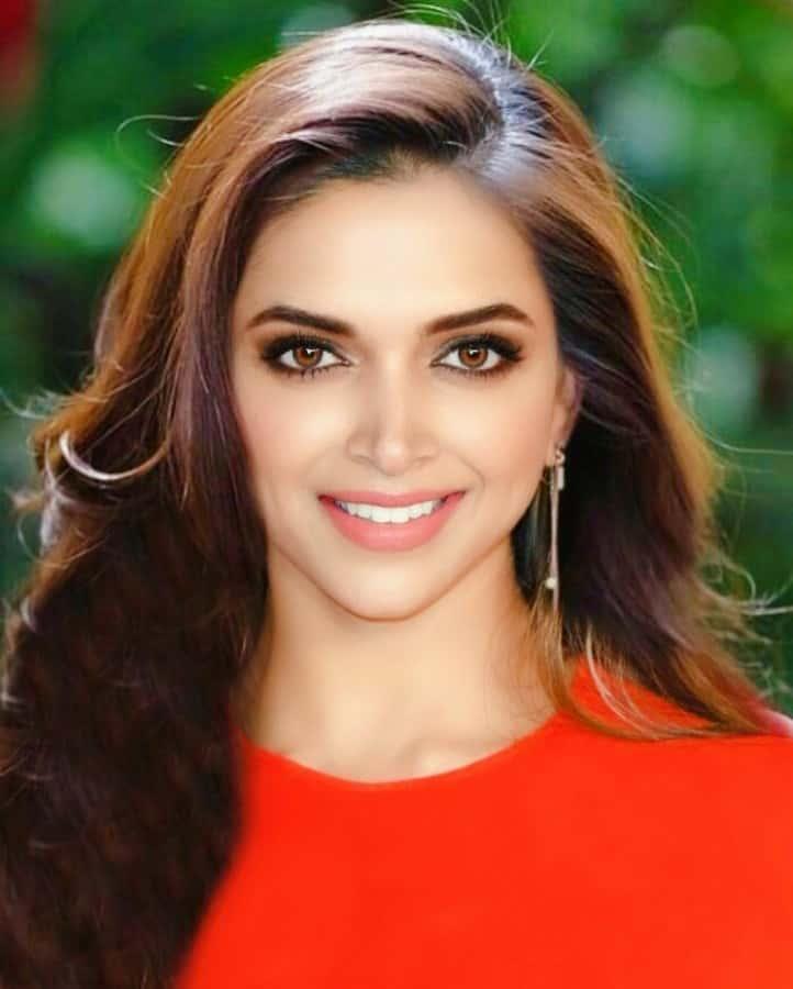 Deepika Padukone Biography - Family, Age, Height, Weight ...