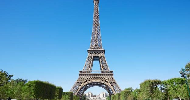 Eiffel Tower Reopens, WHO Says Maintain Social Distance